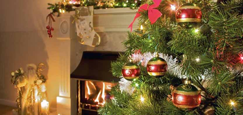 Blog14 bigstock Christmas Tree At Home 3965103 624x414 inner